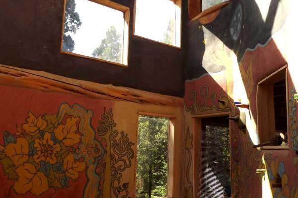 Paredes interiores y pinturas en la oficina, refugio/casa (enero 2015)
